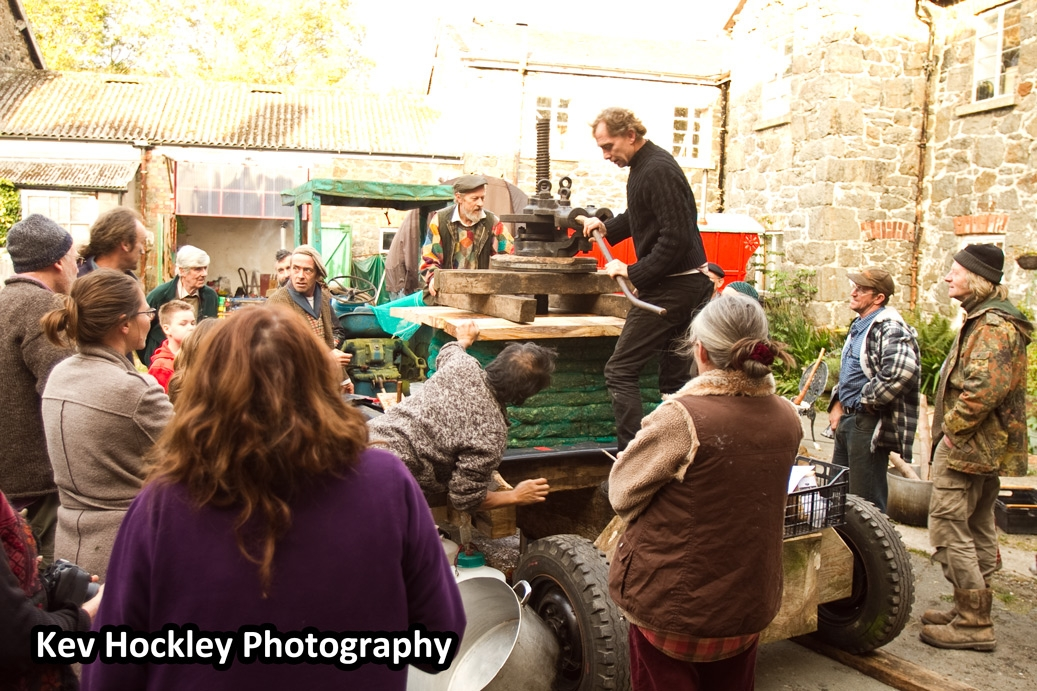 Traditional Apple Pressing - The Pressing
